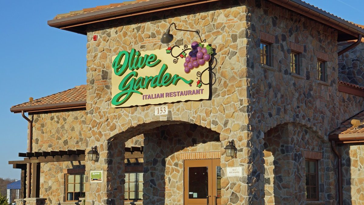 Olive Garden manager gets high company honor