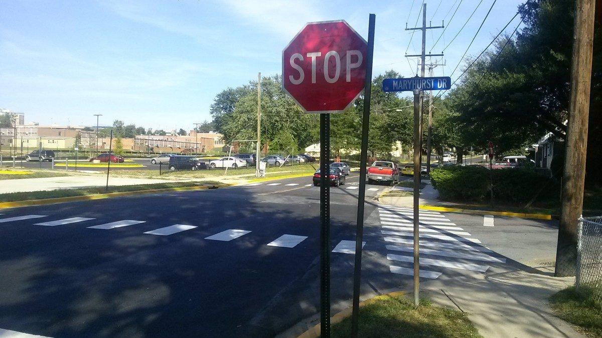 City installs stop sign near new school