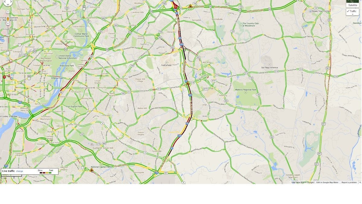Three-car accident closes all lanes of Outer Loop Friday