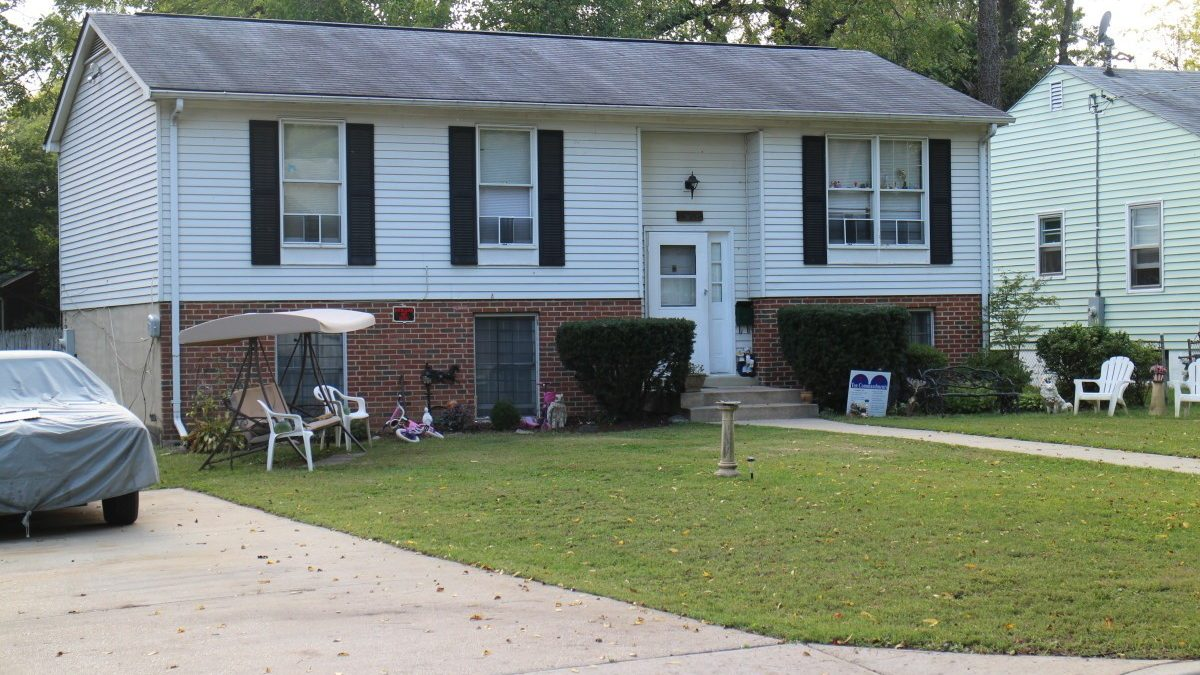 EXCLUSIVE: Hyattsville man may hold key to Lyon sisters' disappearance; Police search family home, property for clues in 1975 case
