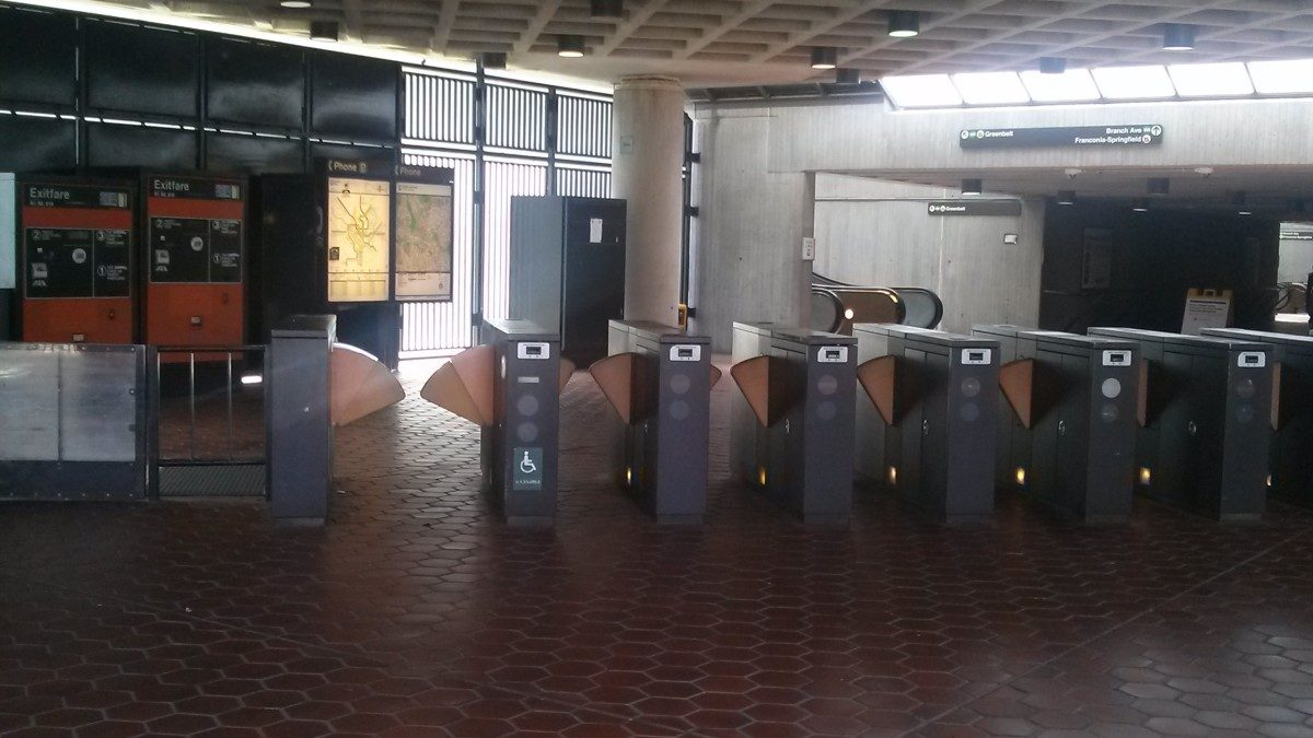 Metro announces Sunday schedule for Thanksgiving