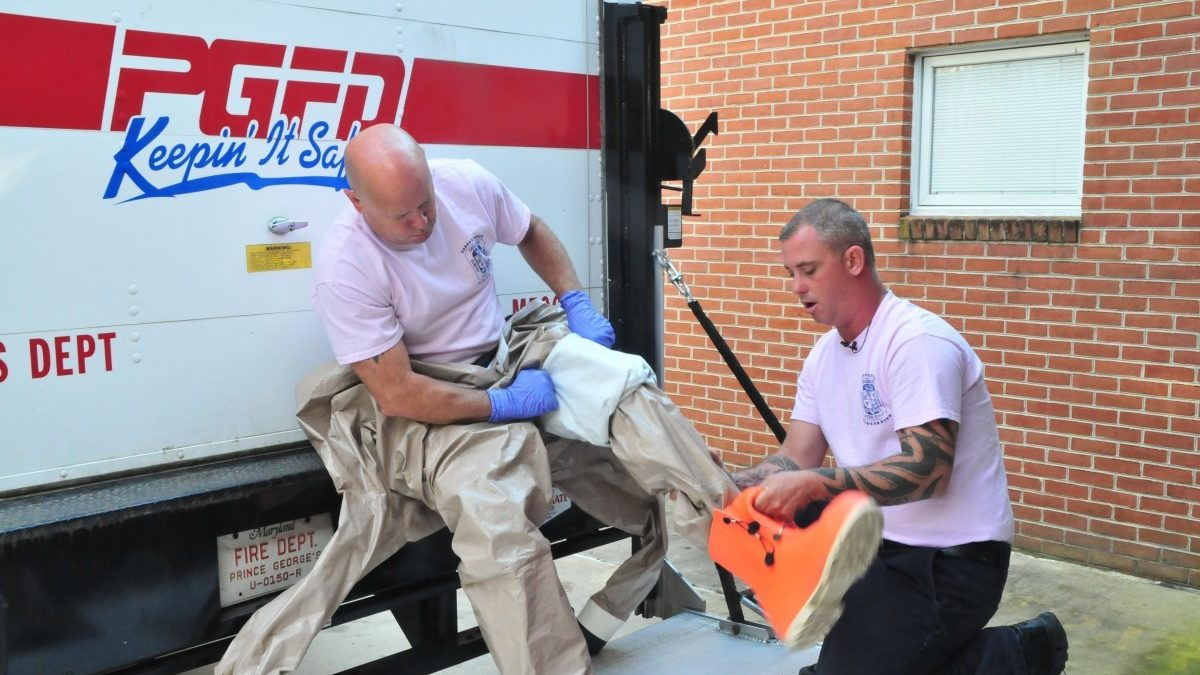 Fire department uses precautionary hazmat suit to combat Ebola