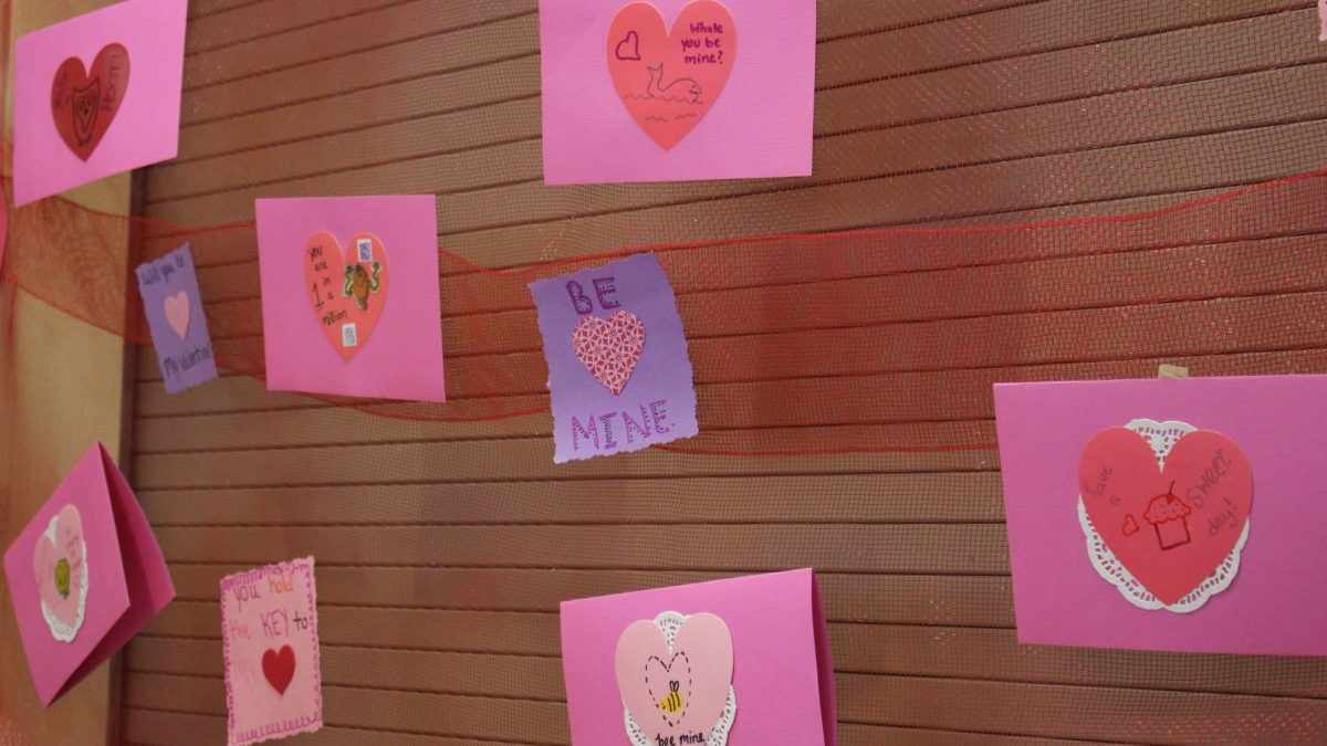 PHOTOS: Hyattsville Aging in Place Valentine-making party