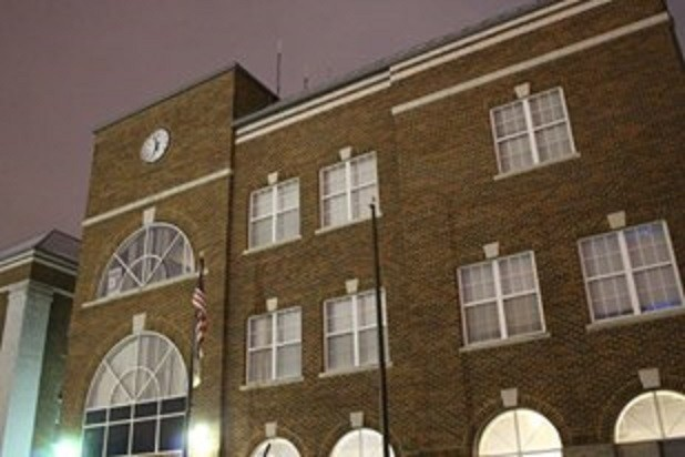 Hyattsville elected officials may get pay raise in 2017