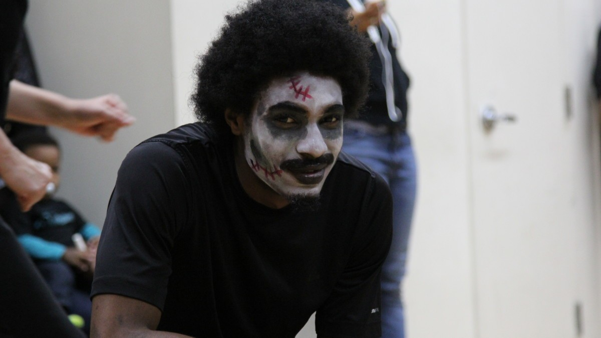 "PHOTOS: Joe's Movement Emporium hosts ""Thriller"" community dance"